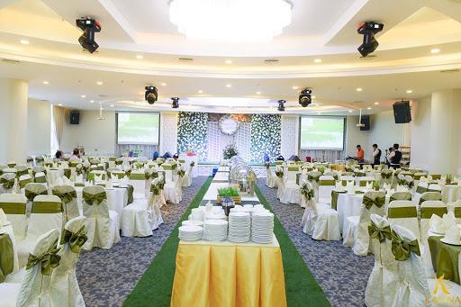 nhà hàng tiệc cưới tre vàng